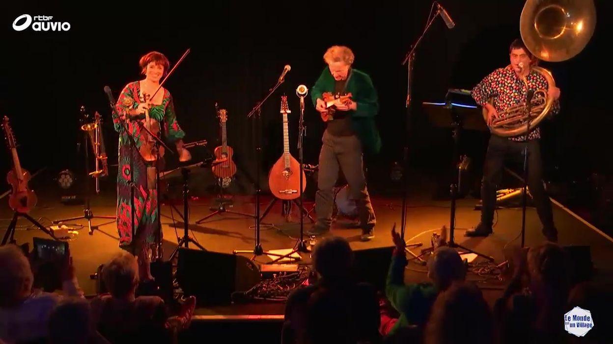 'La Tarantalinea' par Aurélie Dorzée, Tom Theuns, Michel Massot (LIVE)