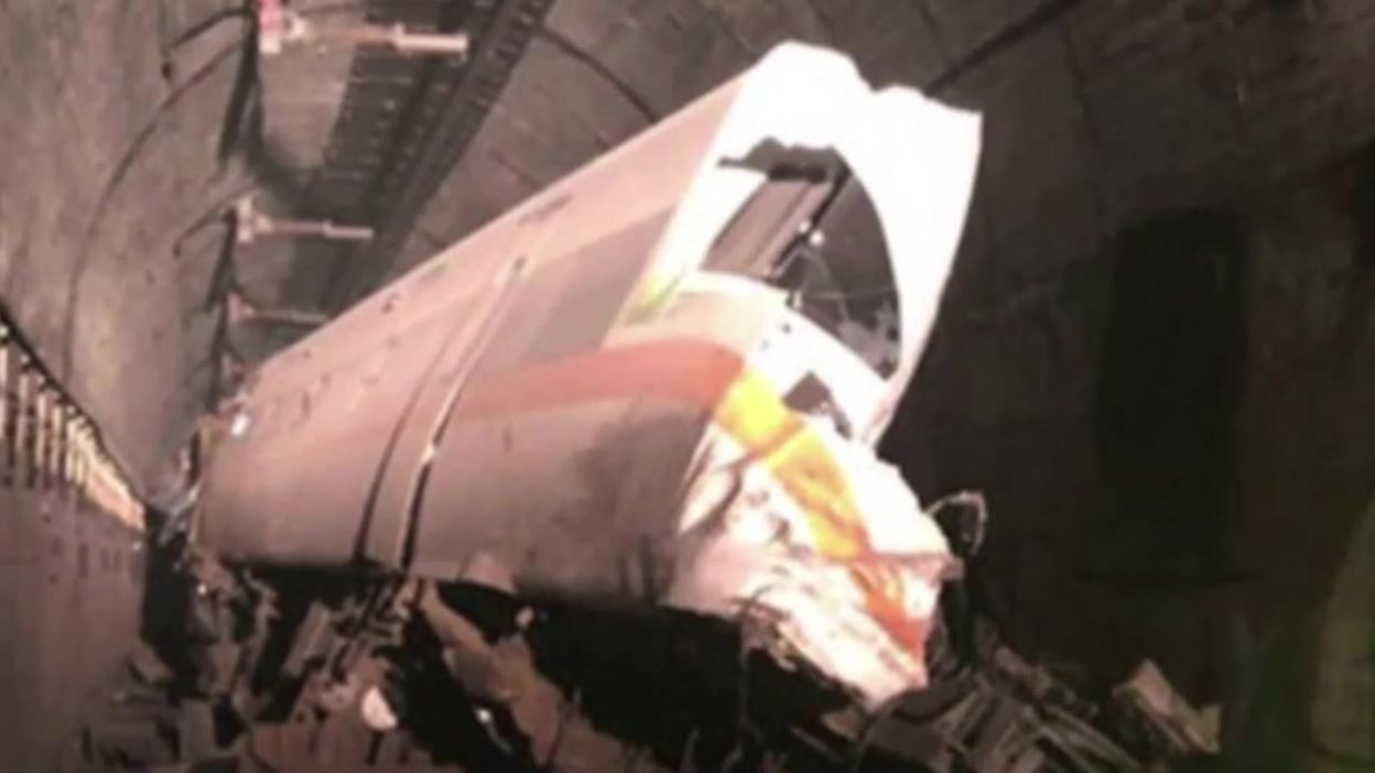 Taïwan: opération de sauvetage d'un train qui a déraillé dans un tunnel