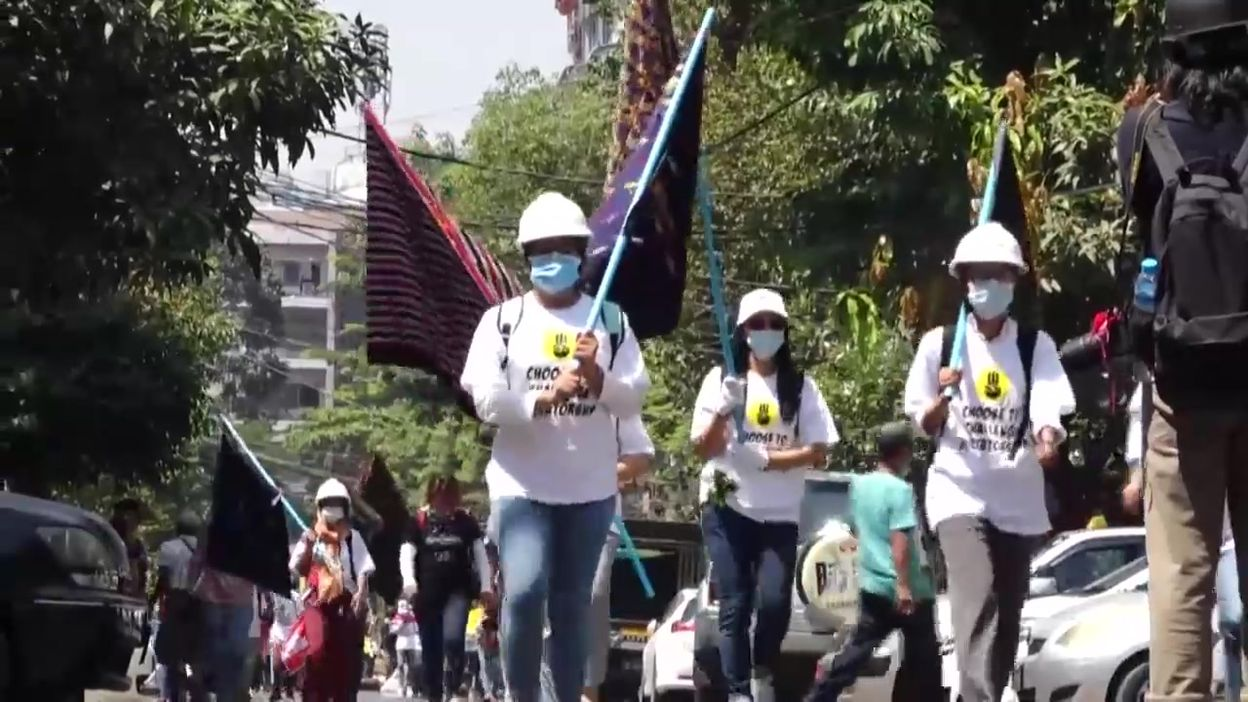 Les manifestations en Birmanie continuent