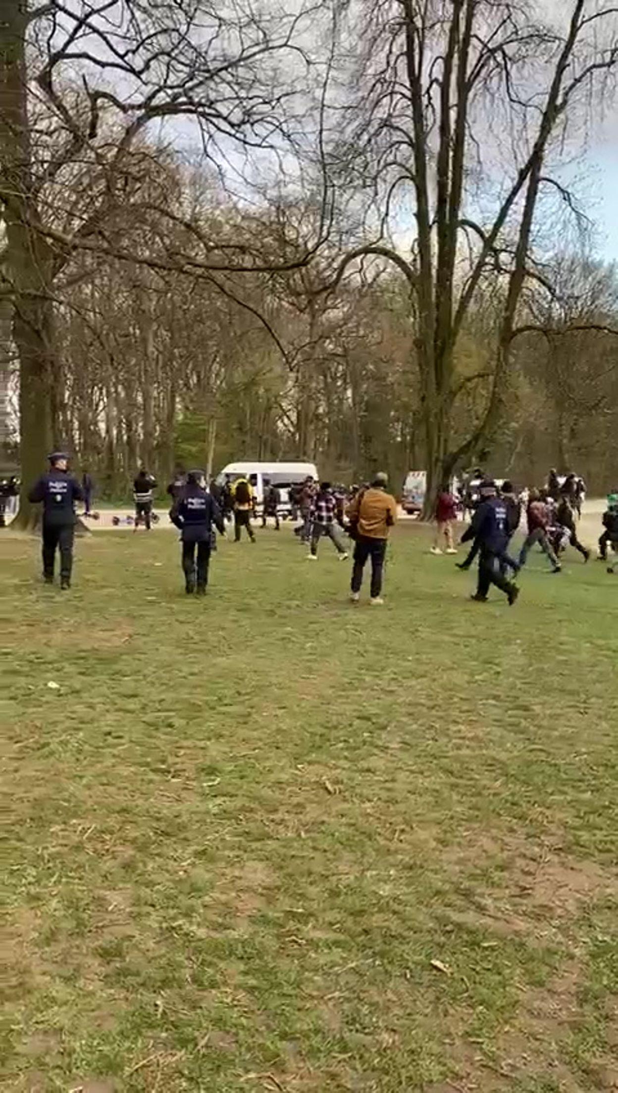 Tension au bord du lac du bois de la Cambre, à Bruxelles, le 02 avril 2021