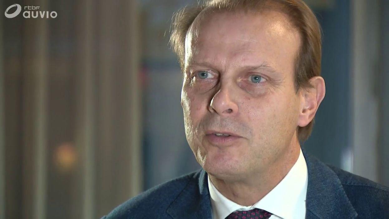 Louis Derwa, avocat de Sébastien Delferière sur la phase de coup de coude non sifflé lors de Standard-Anderlecht