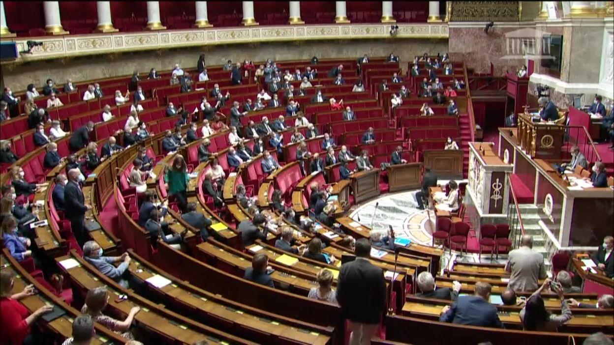 France: l'Assemblée nationale adopte le projet de loi étendant le dispositif du pass sanitaire