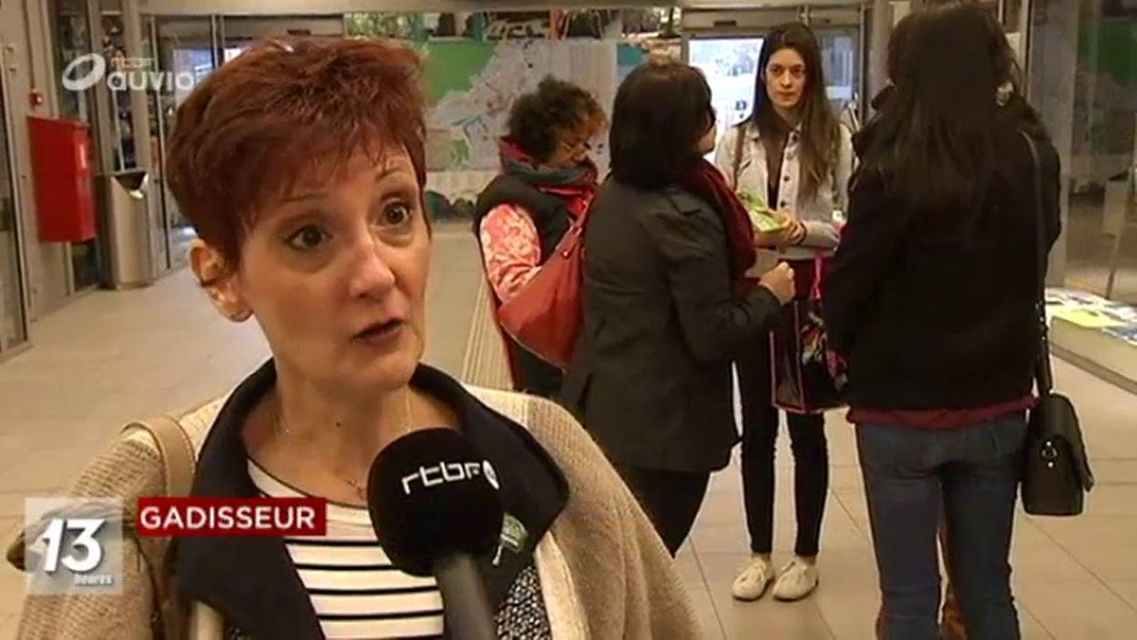 Distribution de tracts pour l'avortement à Louvain-la-Neuve
