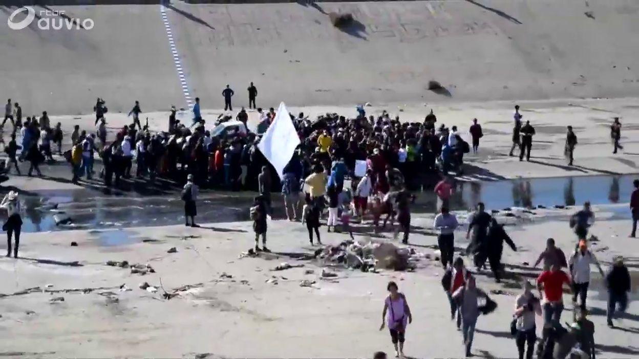 Mexique/USA: la caravane de migrants met la pression sur la frontière américaine