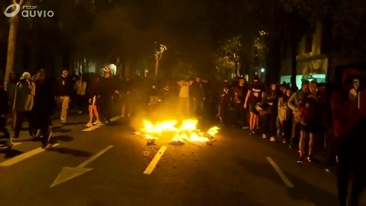 Catalogne: heurts entre indépendantistes et forces de l'ordre à Barcelone, ce 18 octobre en soirée
