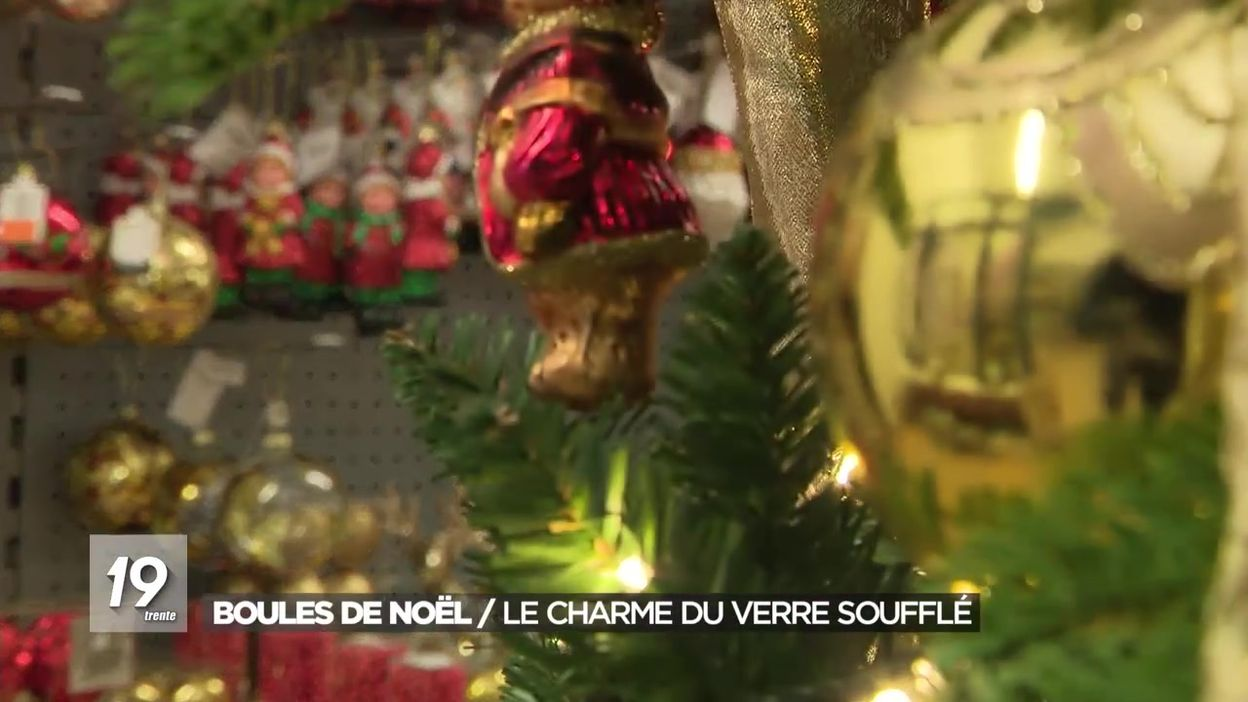 Boules de Noël : le charme du verre soufflé