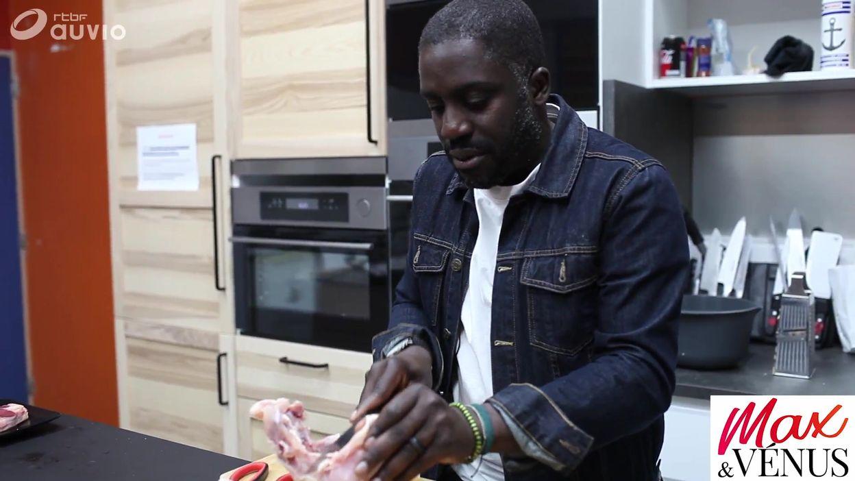 Kody sait-il couper un poulet à cru ?