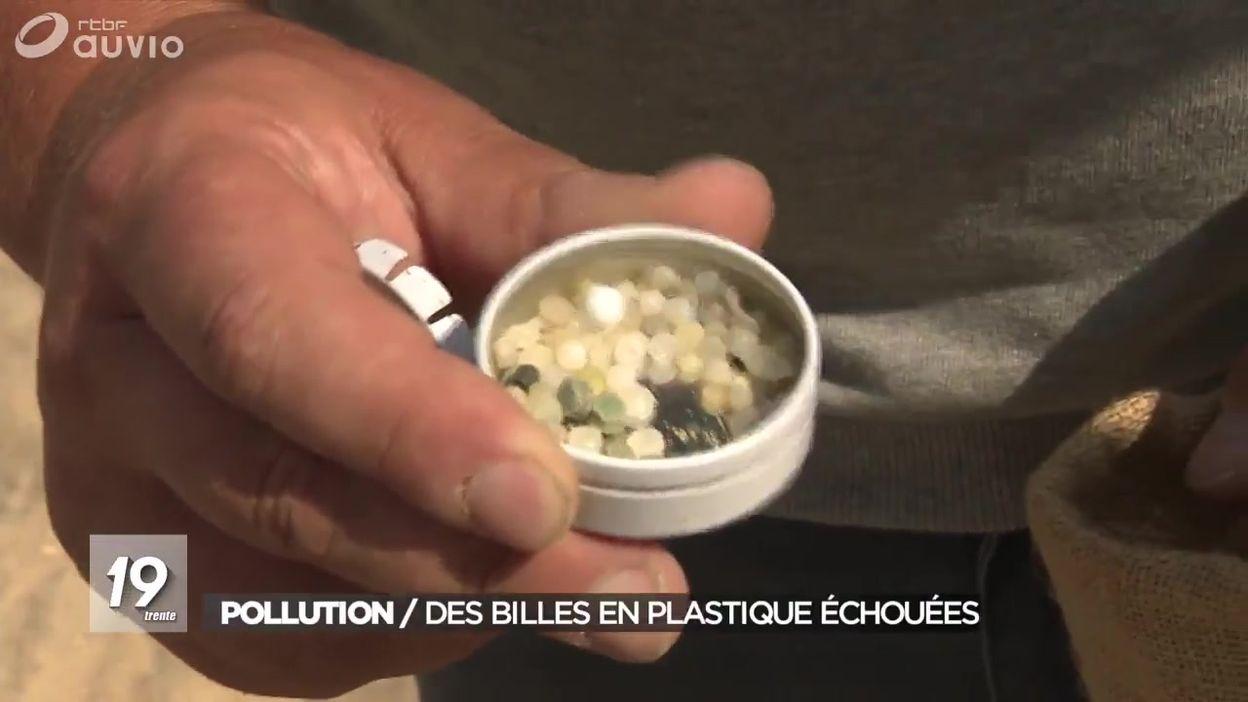 Pollution : des billes en plastique échouées