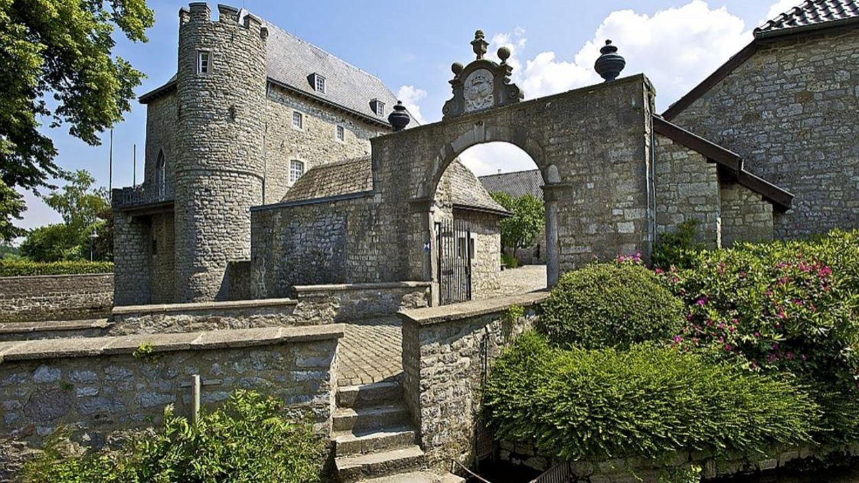 Découvrez le Chateau de Raeren