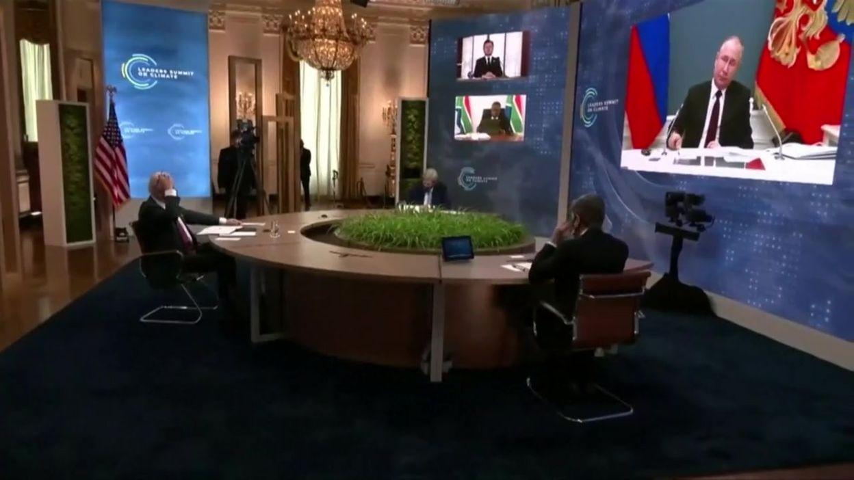 Sommet mondial climat: Macron coupé par Poutine, moment de gêne