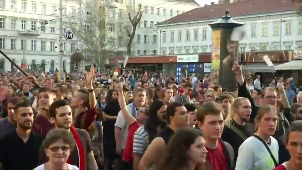Hongrie: manif contre la politique de Viktor Orban dans les rues de Budapest