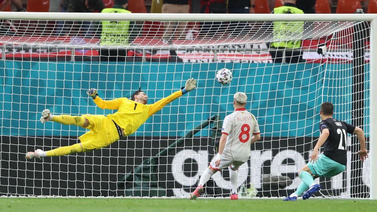 1-0 : But de Stefan Lainer
