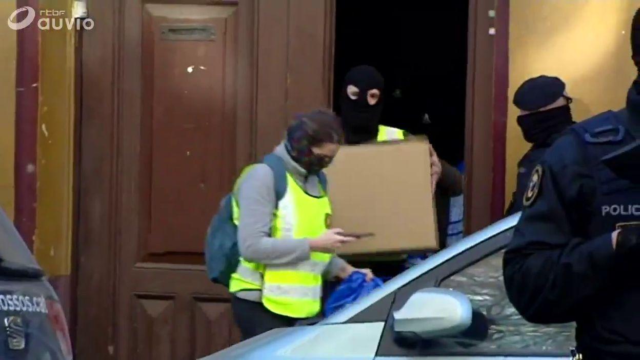 Barcelone: 17 arrestations lors d'une opération contre une cellule soupçonnée de prévoir un attentat