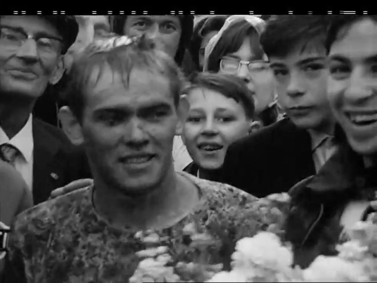 1965 : Joël Robert remporte le motocross de Thuin
