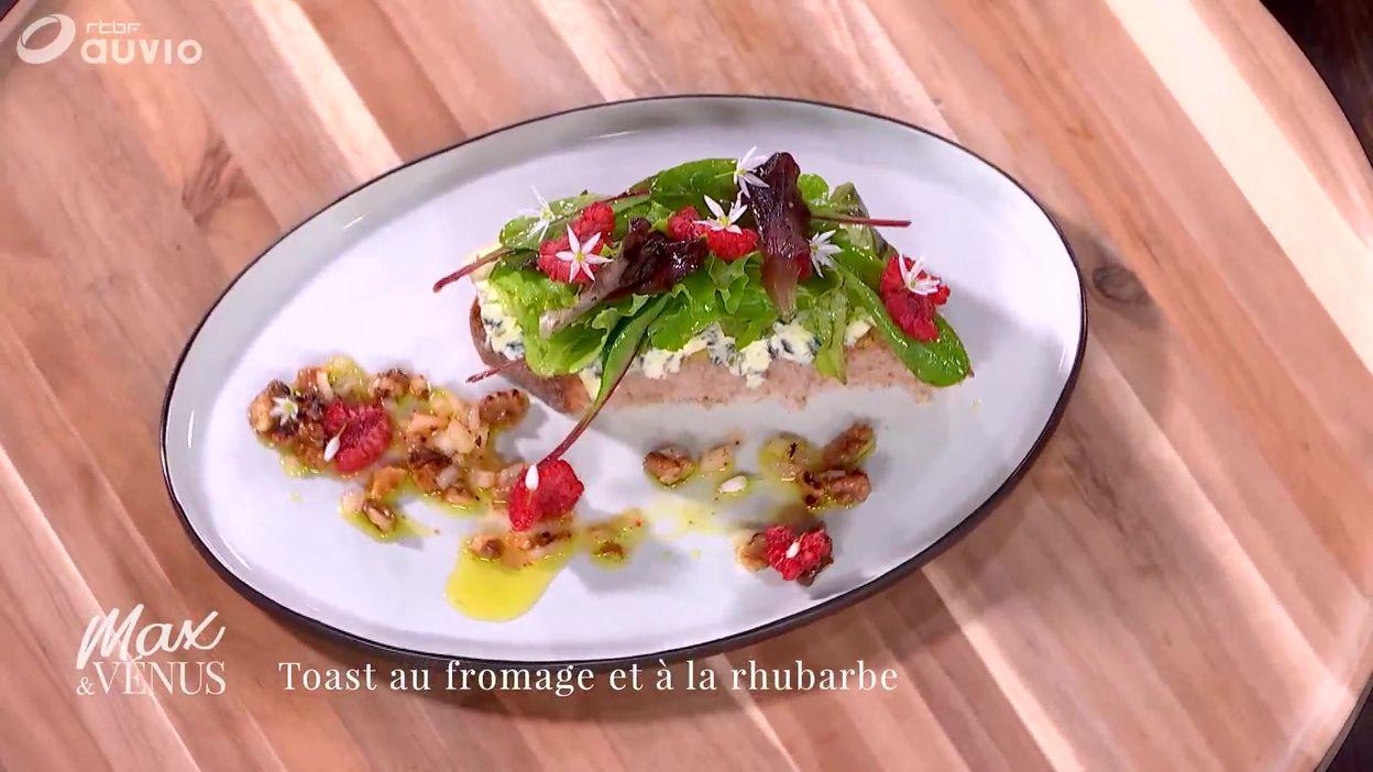 TUTO : toast au bleu et à la rhubarbe