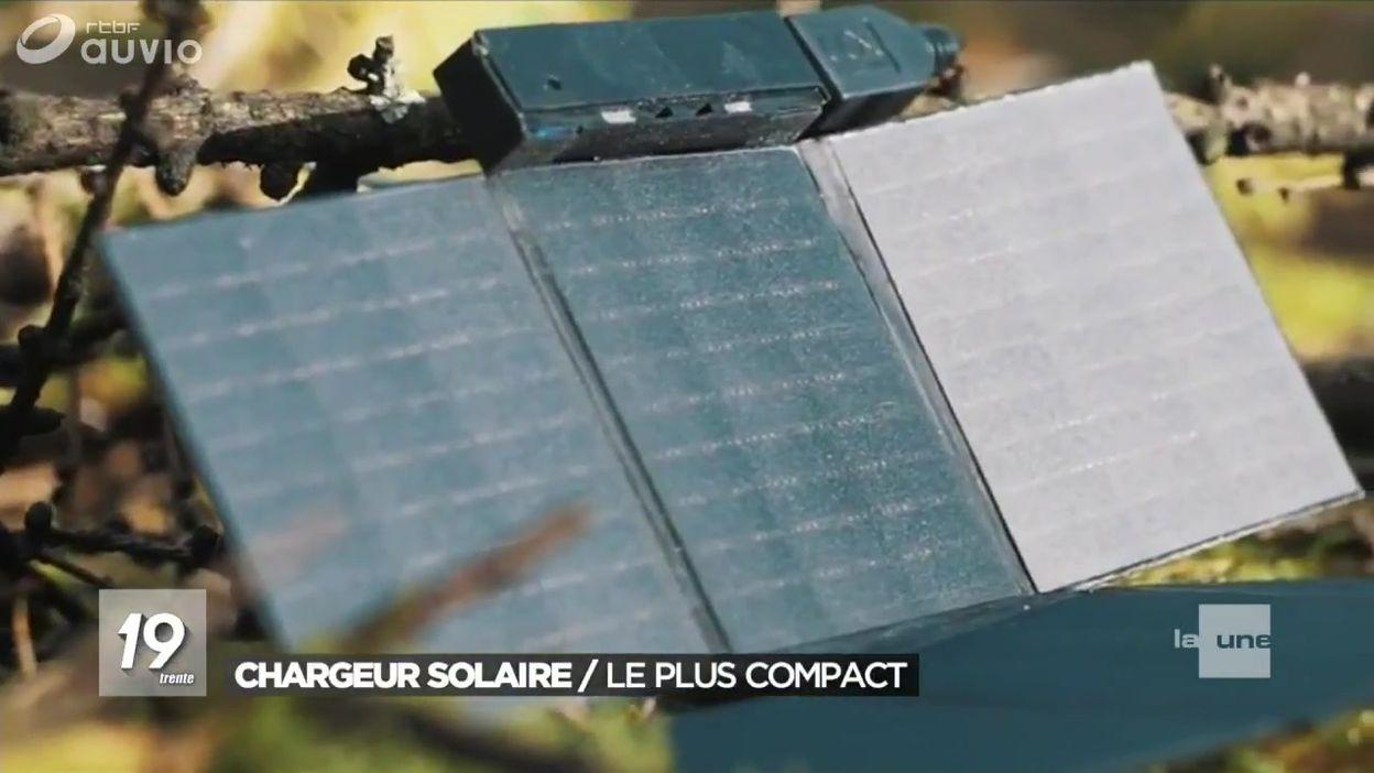 Le plus petit chargeur solaire pour smartphones