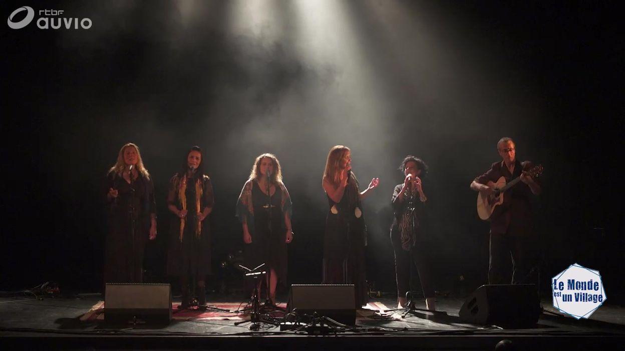 'Cantar do refuxiado / Ka-abatin' par Ialma & Laïla Amezian