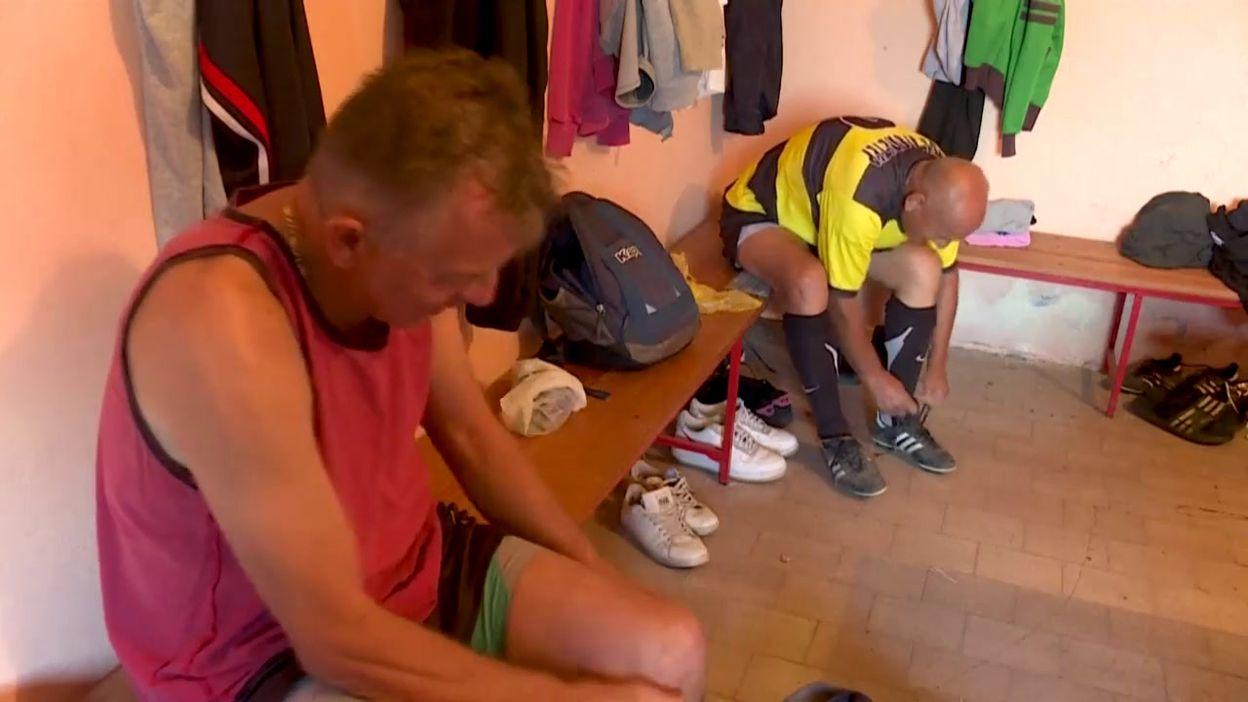 67 ans et toujours les terrains, Dragisa Kosnic le papy footballeur de  Serbie