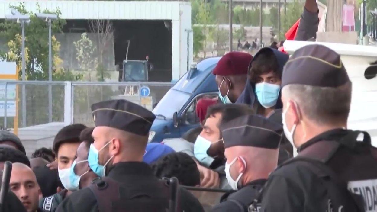 Evacuation d'un camp de migrants à Aubervilliers, près de Paris, ce 29 juillet