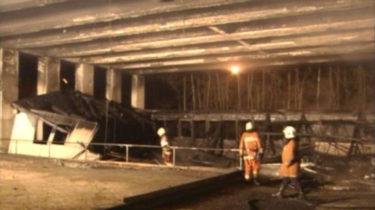 Archive JT (2004) : un incendie détruit une partie du viaduc Herrmann-Debroux