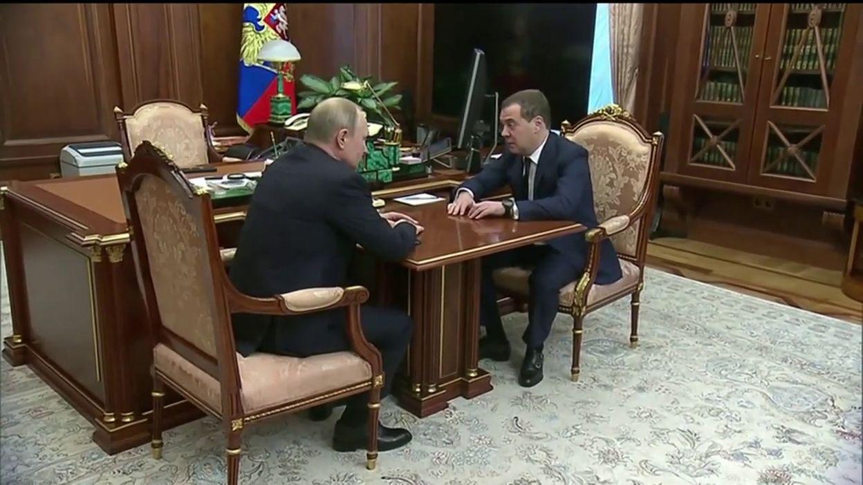 Rencontre entre Vladimir Poutine et Dmitri Medvedev, à Moscou, ce 15 janvier