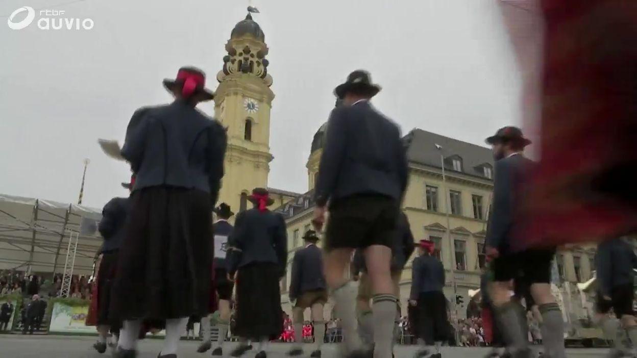 Munich: images de la parade de l'oktoberfeest dans les rues de la capitale bavaroise