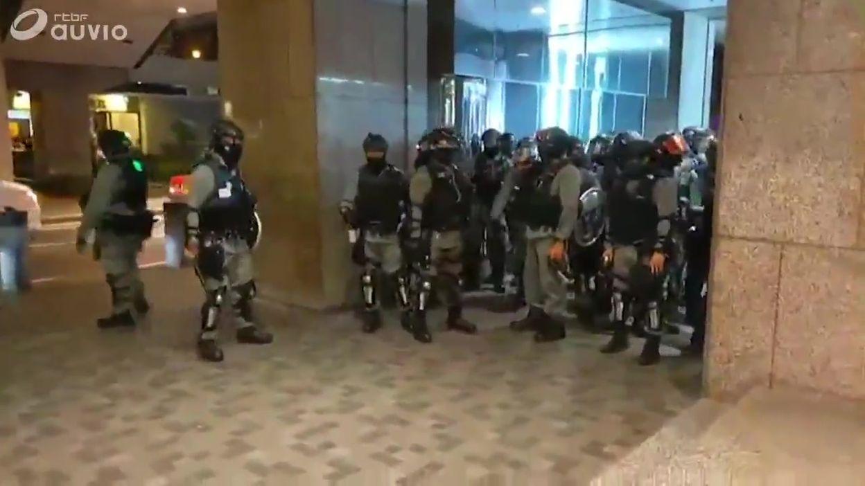 Hong-Kong: vive tension et arrestations dans un centre commercial, ce 03 novembre