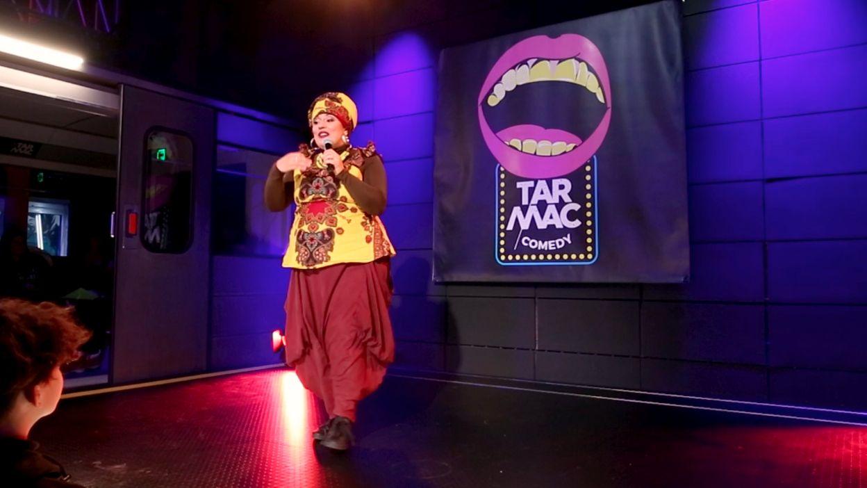 Tarmac Comedy / Samia Orosemane