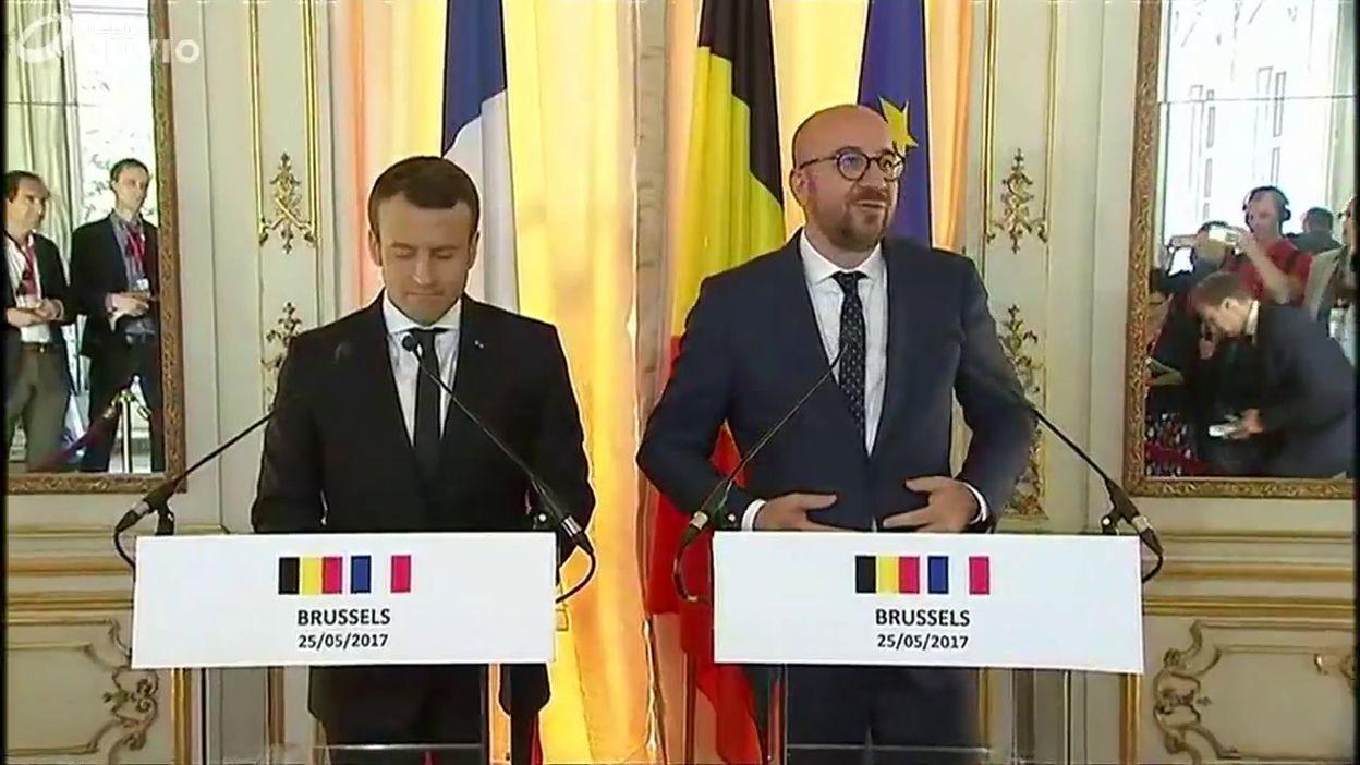 Charles Michel souhaite la bienvenue à Emmanuel Macron au Palais d'Egmont)