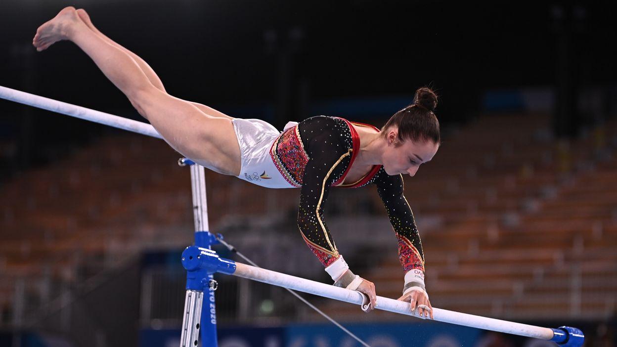 La prestation de Nina Derwael en finale des barres asymétriques