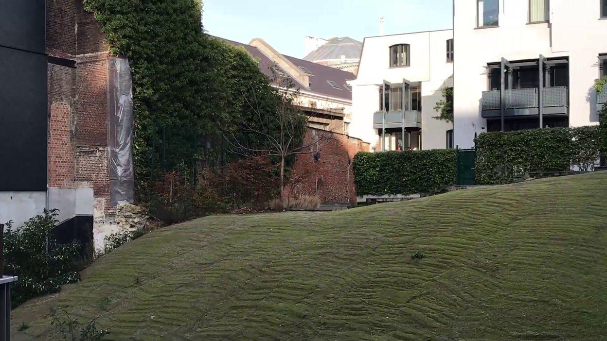 Bruxelles : deux ans après, le mur du Moyen-Age qui s'est effondré toujours pas reconstruit