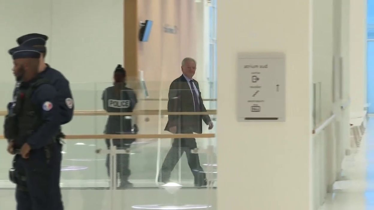Paris: arrivées des ex-dirigeants de France Télécom (Didier Lombard et Louis-Pierre Wenès) au tribunal