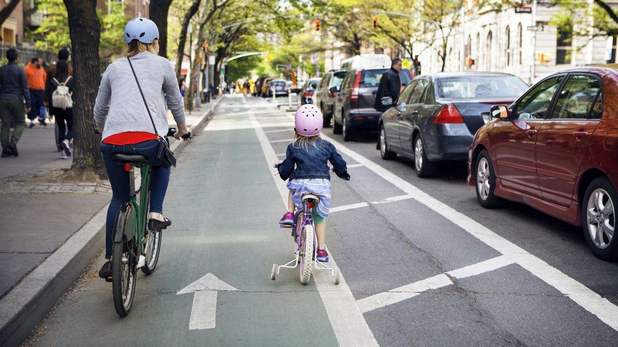 Accompagner son enfant à vélo