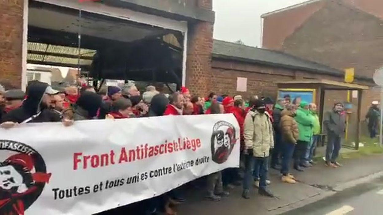 confrontation police et manifestants antifascistes à Gilly