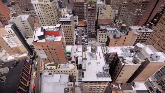 Sur les toits des villes I